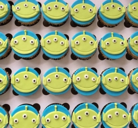 Toy story aliens cupcakes